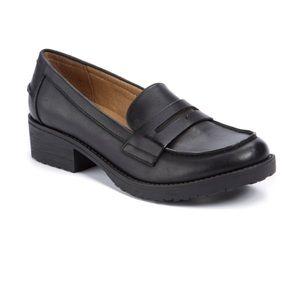 BareTraps women's 10 Oliva Black Loafer like new!!